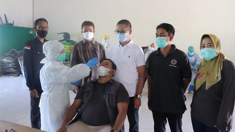 Mendekati Hari H PSU Pilgub Kalsel, Bawaslu Banjar dan jajaran lakukan Swab Antigen